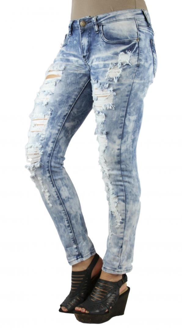 MACHINE JEANS Destroyed Cloud Washed Capri
